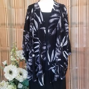 👀 Long Tunic Jacket with Leaf Print❣